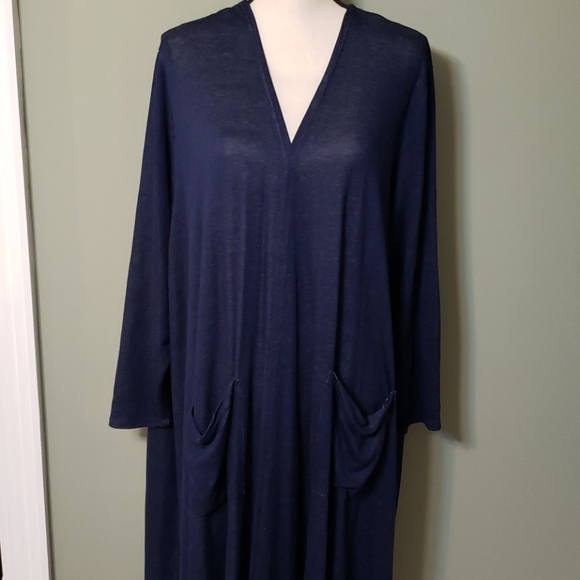 Navy blue long sleeve duster with pockets